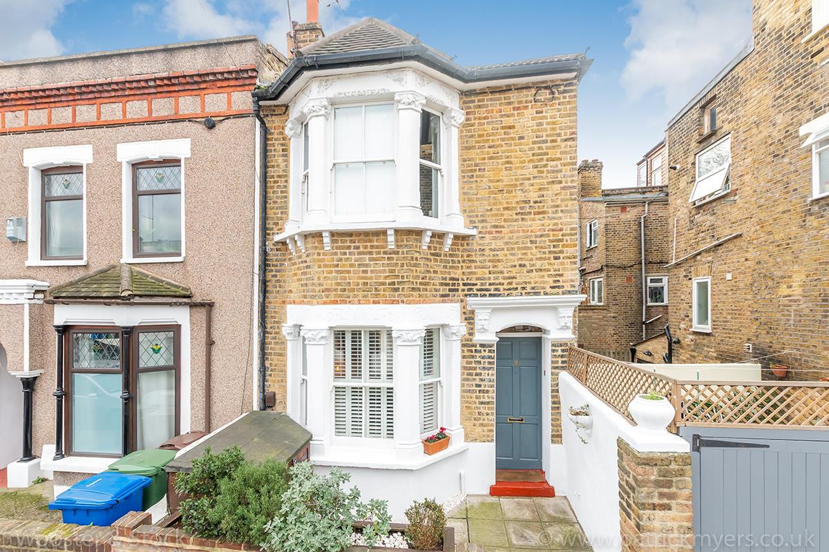 House - End Terrace For Sale in Ada Road, Camberwell, SE5 403 view3