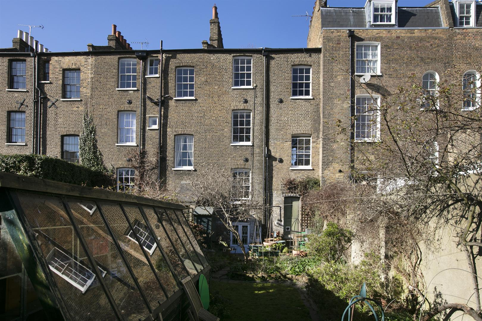 House - Terraced Sale Agreed in Addington Square, Camberwell, SE5 784 view14