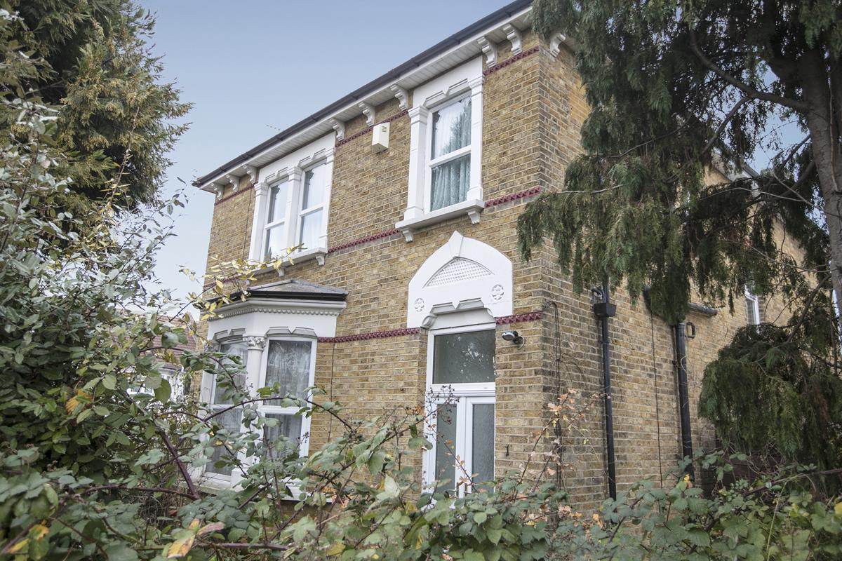 House - Detached For Sale in Allenby Road, Forest Hill, London 397 view4