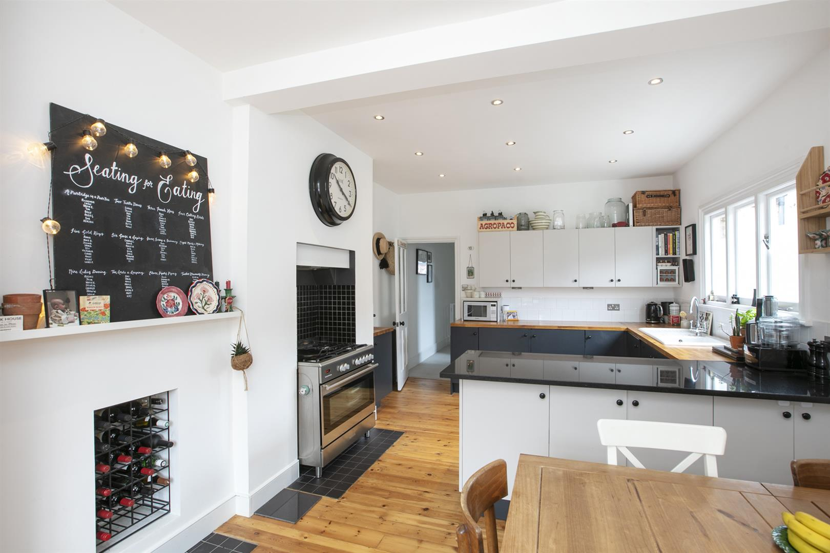 Maisonette For Sale in Bavent Road, Camberwell, SE5 727 view1