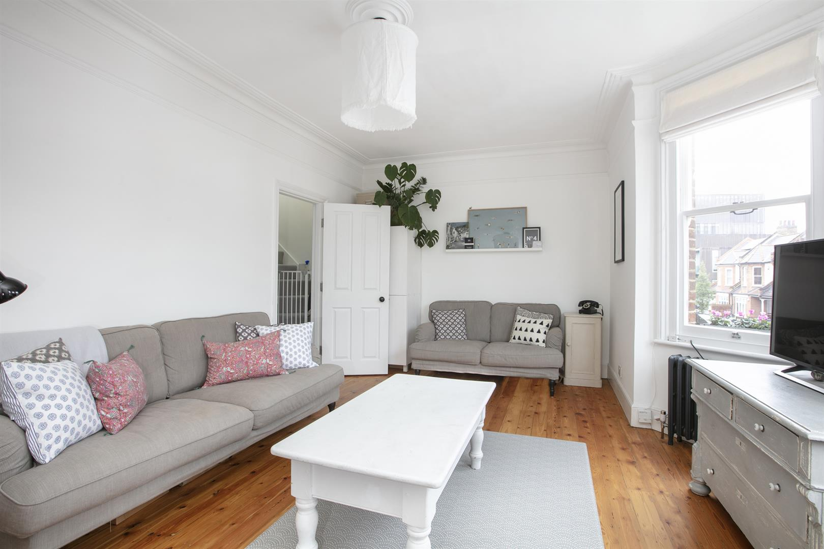 Maisonette For Sale in Bavent Road, Camberwell, SE5 727 view6