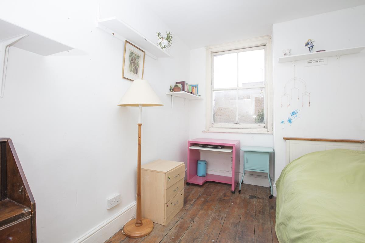 House - Terraced Sale Agreed in Bellenden Road, Peckham, SE15 426 view16