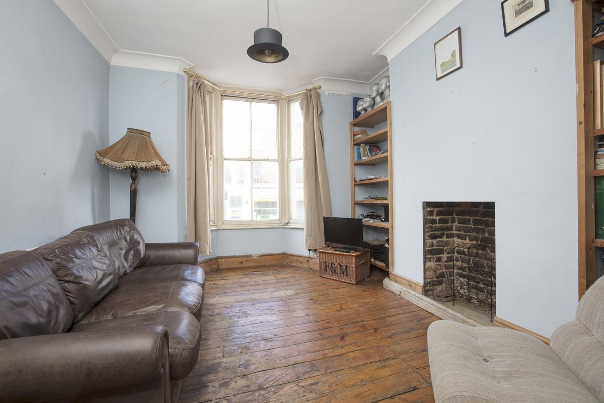 House - Terraced Sale Agreed in Bellenden Road, Peckham, SE15 426 view2