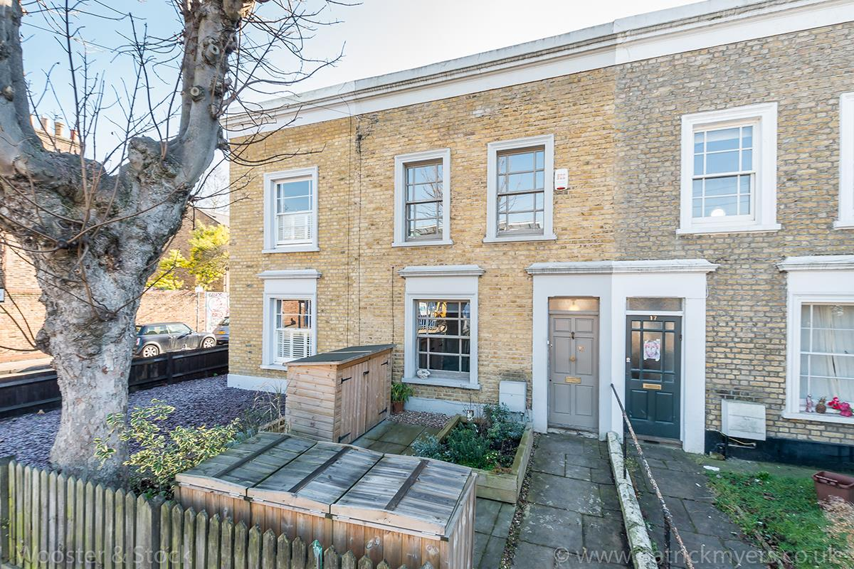 House - Terraced For Sale in Blenheim Grove, Peckham, SE15 419 view1
