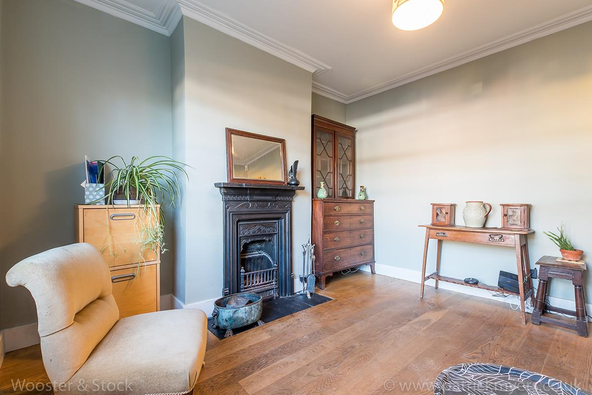 House - Terraced For Sale in Blenheim Grove, Peckham, SE15 419 view3