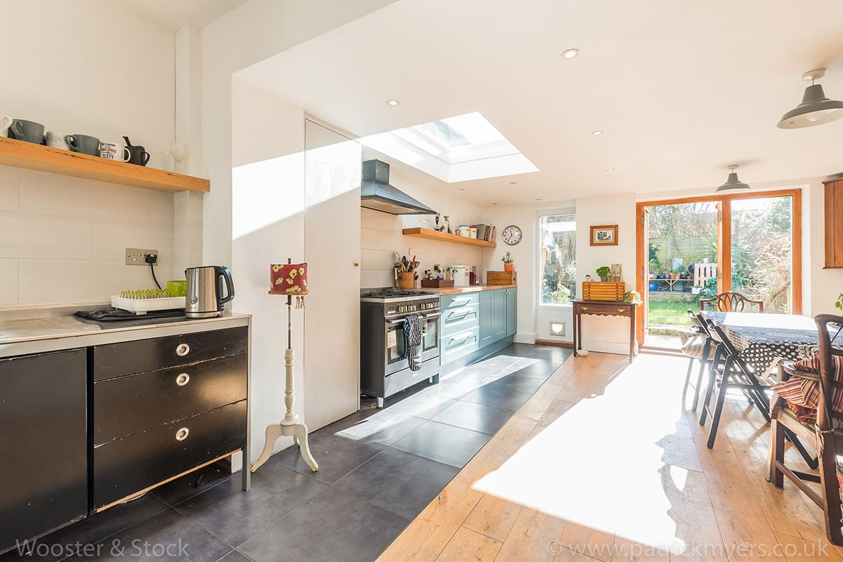 House - Terraced For Sale in Blenheim Grove, Peckham, SE15 419 view10