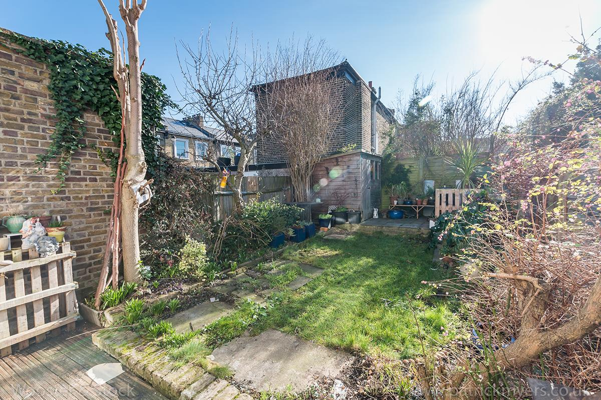 House - Terraced Sale Agreed in Blenheim Grove, Peckham, SE15 419 view16