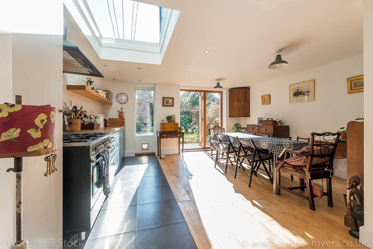House - Terraced For Sale in Blenheim Grove, Peckham, SE15 419 view11