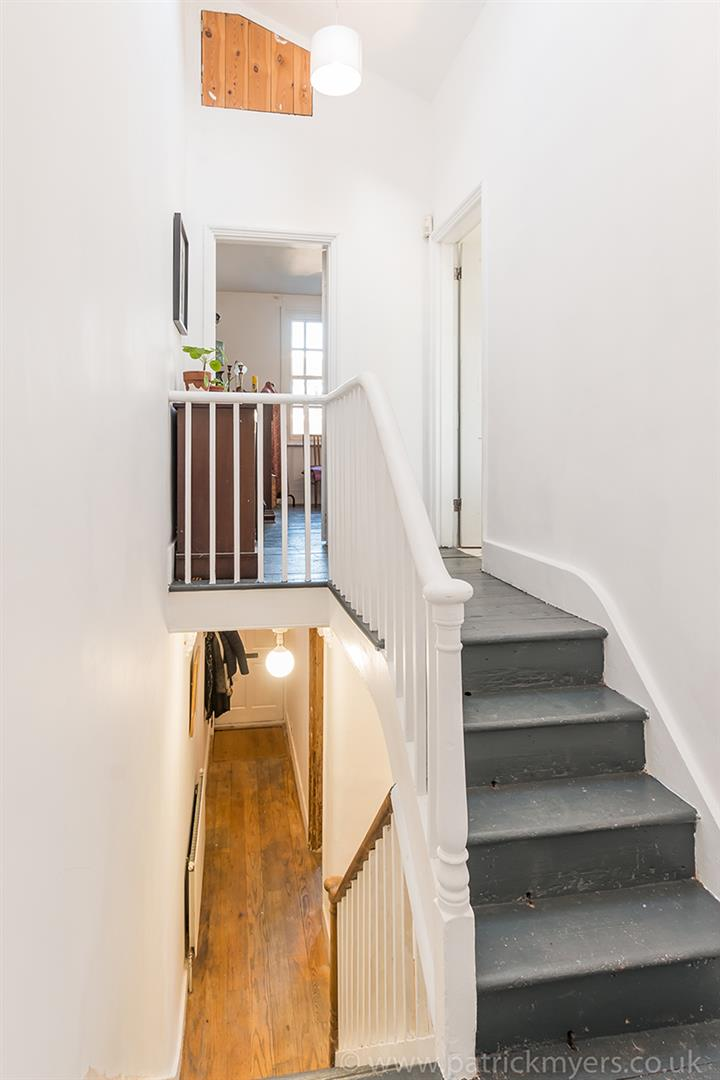 House - Terraced For Sale in Blenheim Grove, Peckham, SE15 419 view18