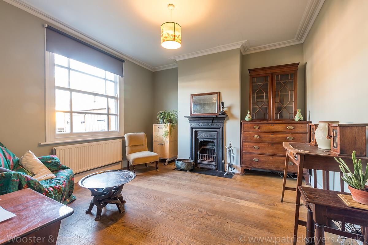 House - Terraced For Sale in Blenheim Grove, Peckham, SE15 419 view2