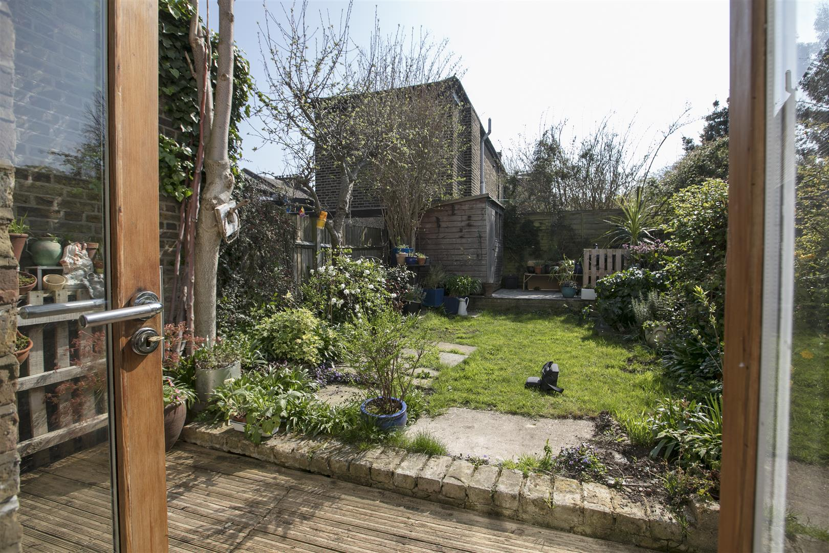 House - Terraced Sold in Blenheim Grove, Peckham, SE15 419 view23