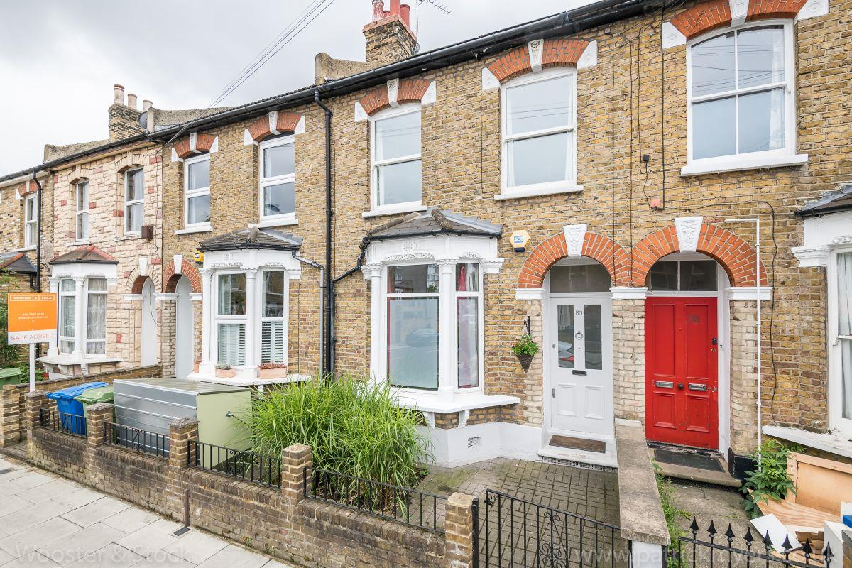 House - Terraced Sold in Brayards Road, Nunhead. SE15 459 view1