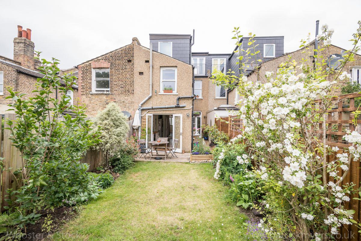 House - Terraced Sold in Brayards Road, Nunhead. SE15 459 view13