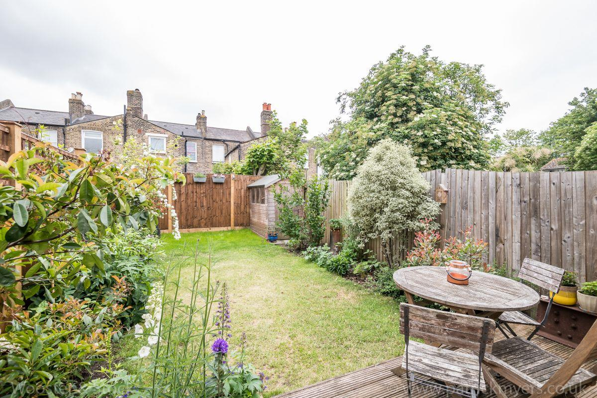 House - Terraced Sold in Brayards Road, Nunhead. SE15 459 view12