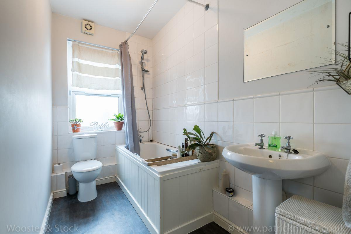 Flat - Purpose Built Sold in Brayards Road, Nunhead, SE15 460 view8