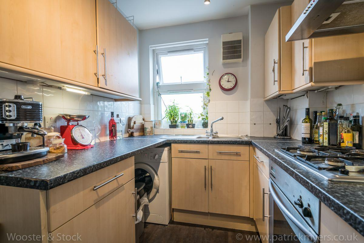 Flat - Purpose Built Sold in Brayards Road, Nunhead, SE15 460 view5