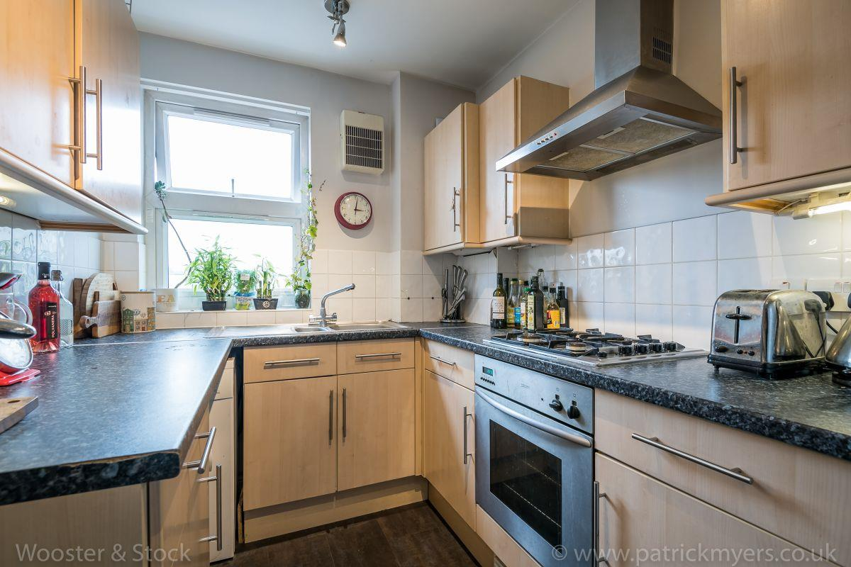 Flat - Purpose Built Sold in Brayards Road, Nunhead, SE15 460 view4