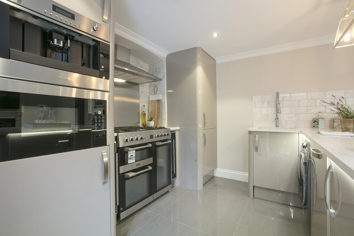 Flat/Apartment Sale Agreed in Brunswick Park, Camberwell SE5 344 view7