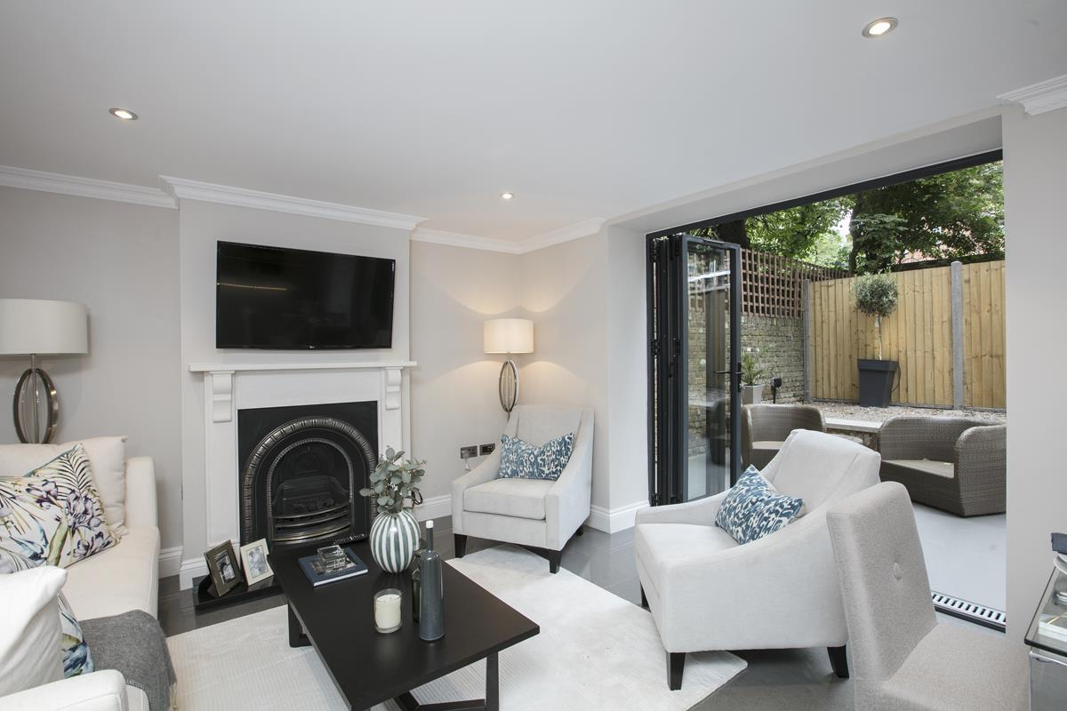 Flat/Apartment Sale Agreed in Brunswick Park, Camberwell SE5 344 view6