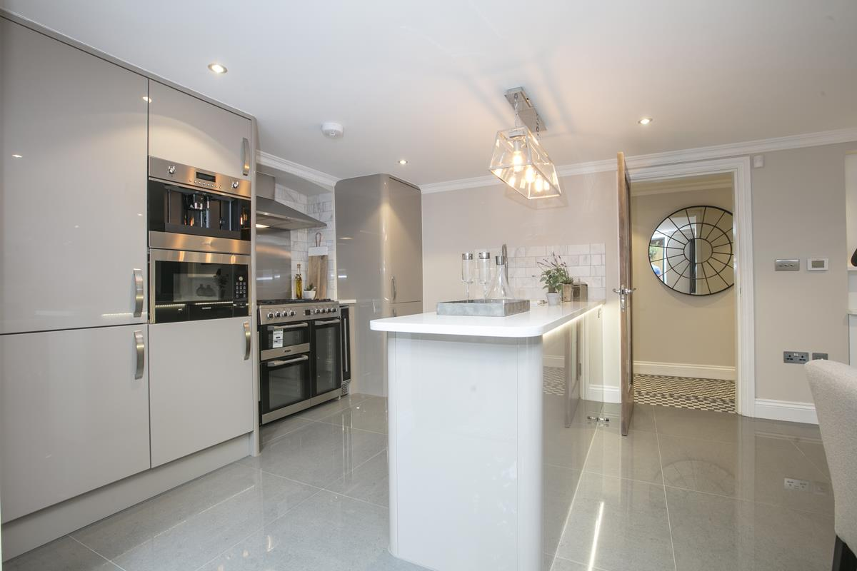 Flat/Apartment Sale Agreed in Brunswick Park, Camberwell SE5 344 view4