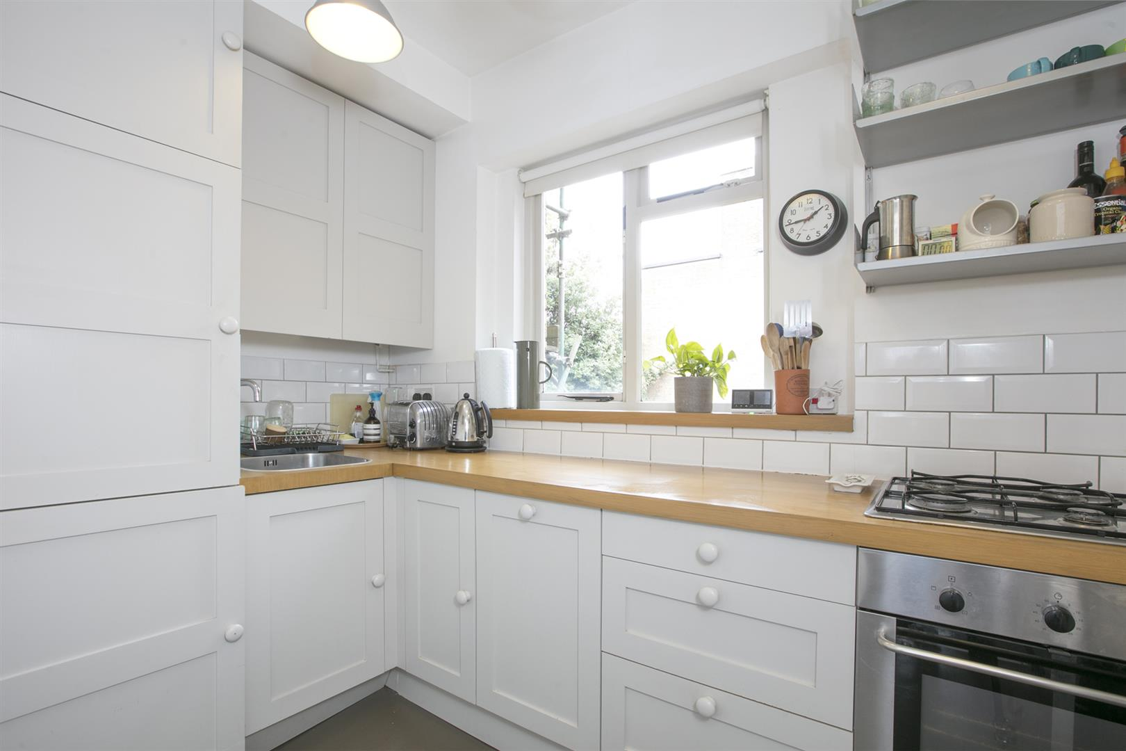 Flat - Conversion For Sale in Brunswick Villas, Camberwell, SE5 628 view7