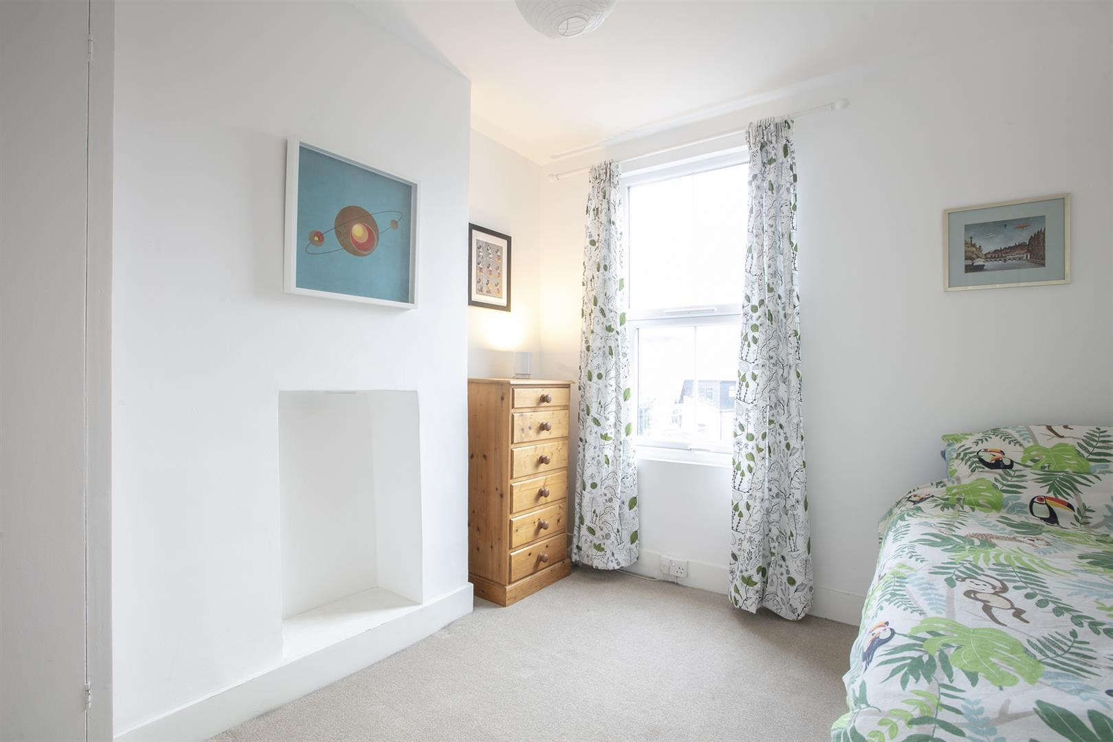 House - Terraced Sale Agreed in Buchan Road, Nunhead, SE15 760 view16