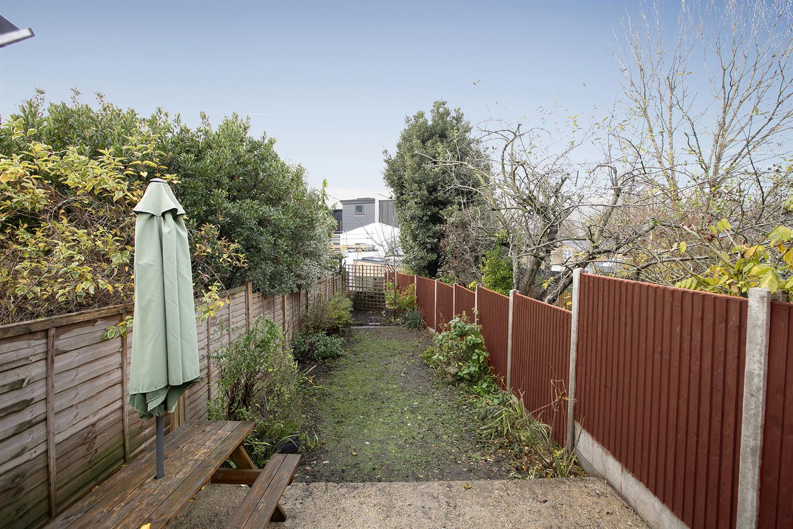 House - Terraced Sale Agreed in Buchan Road, Nunhead, SE15 760 view21
