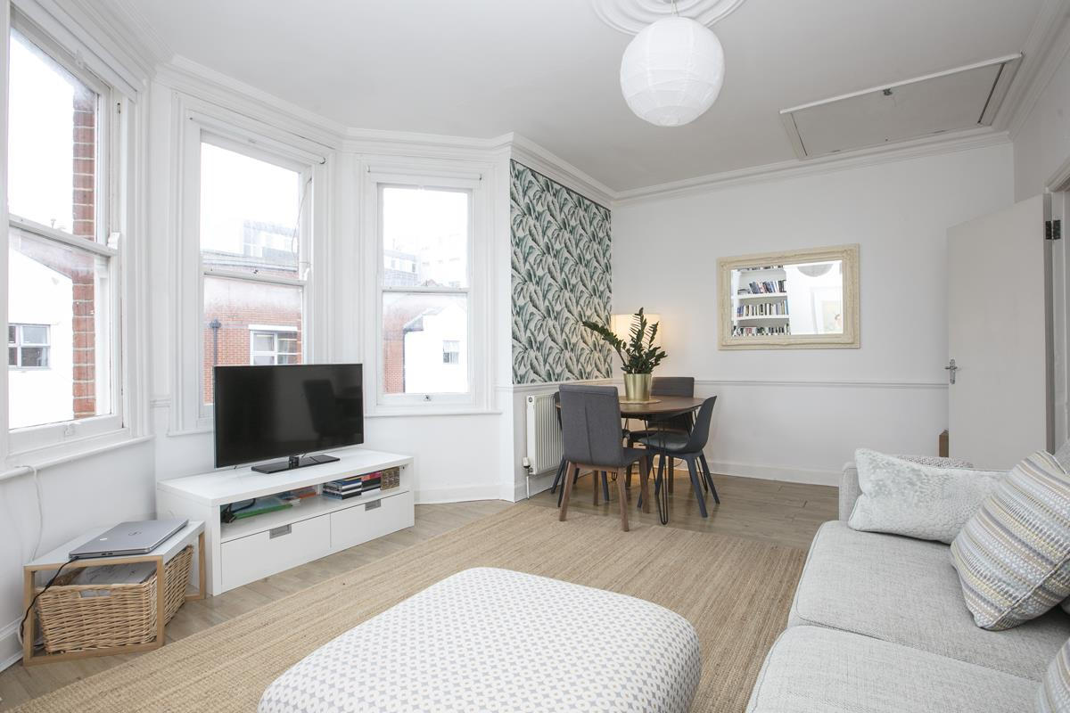Flat/Apartment Sale Agreed in Caldecot Road, Camberwell, SE5 379 view3
