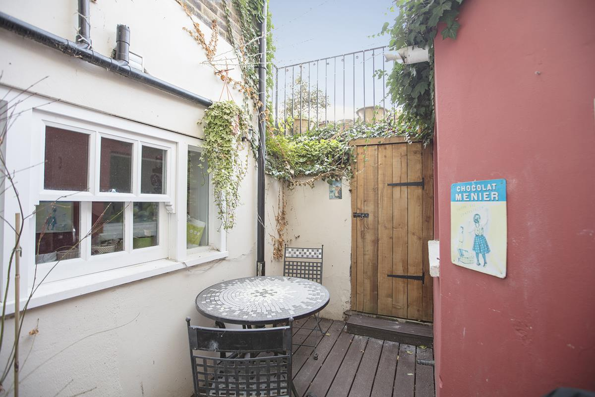 Flat/Apartment For Sale in Camberwell Grove, Camberwell, London 398 view12