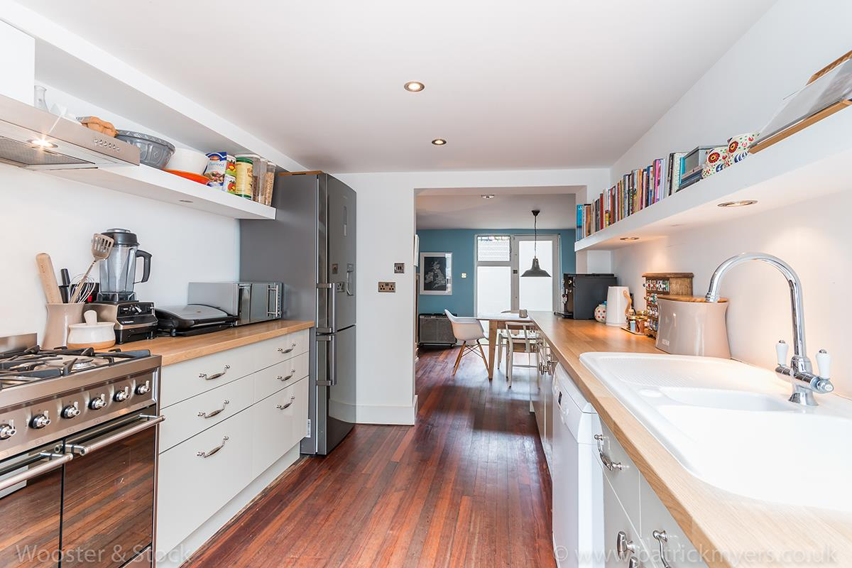 House - Terraced For Sale in Camberwell Grove, Camberwell, SE5 299 view7