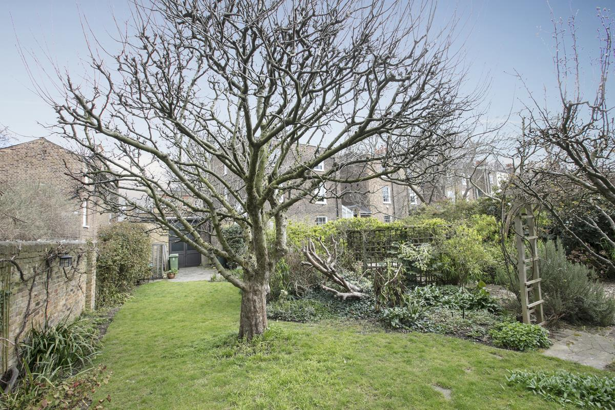 House - Semi-Detached Sold in Camberwell Grove, Camberwell, SE5 309 view19