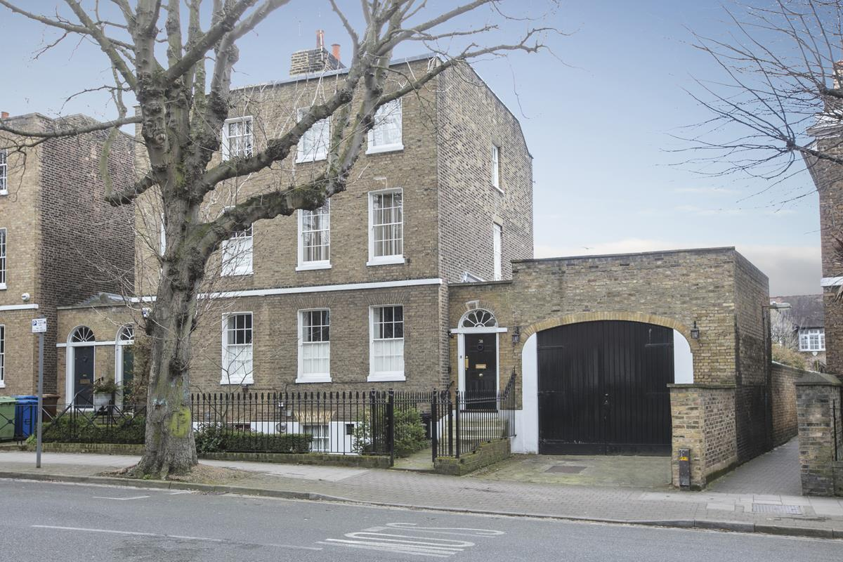 House - Semi-Detached Sold in Camberwell Grove, Camberwell, SE5 309 view1