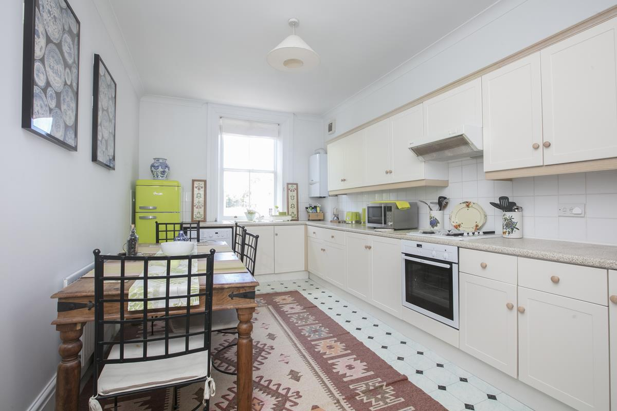 Flat - Conversion Sold in Camberwell Grove, Camberwell SE5 348 view3