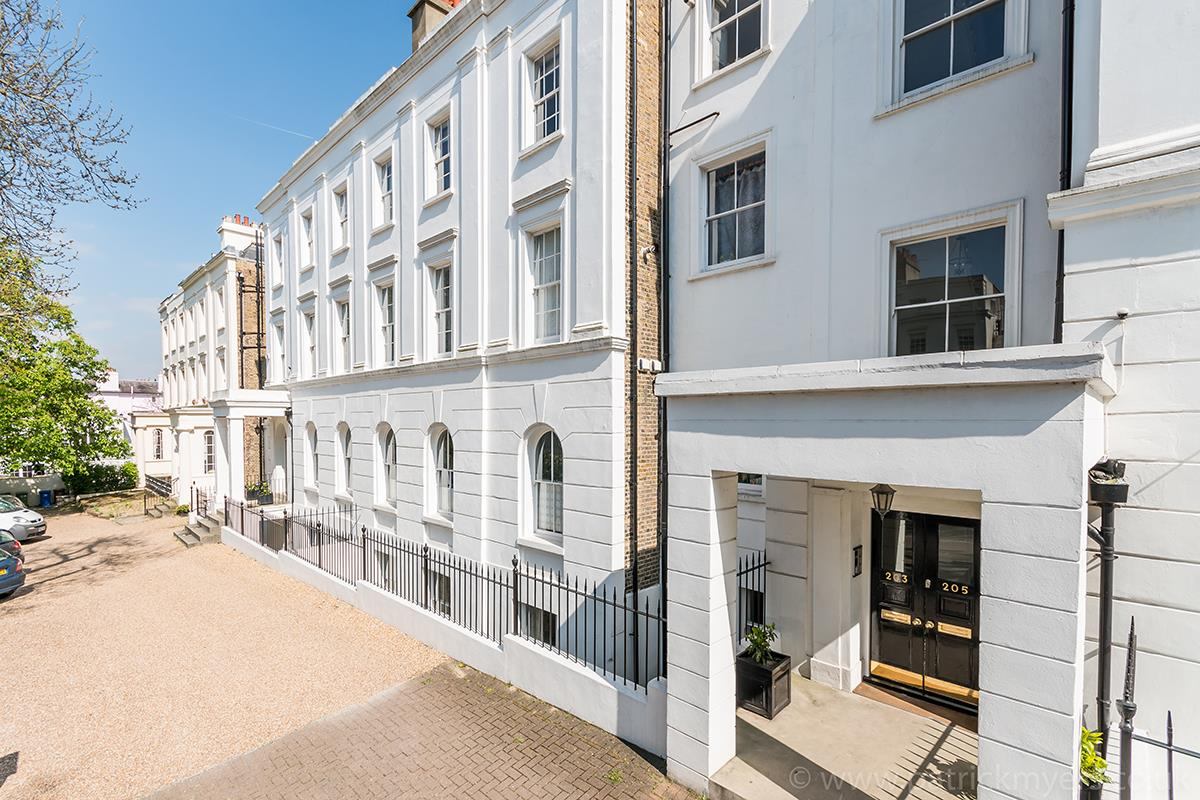 Flat - Conversion Sold in Camberwell Grove, Camberwell SE5 348 view1