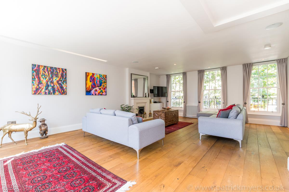 House - Semi-Detached For Sale in Camberwell Grove, Camberwell, SE5 380 view13
