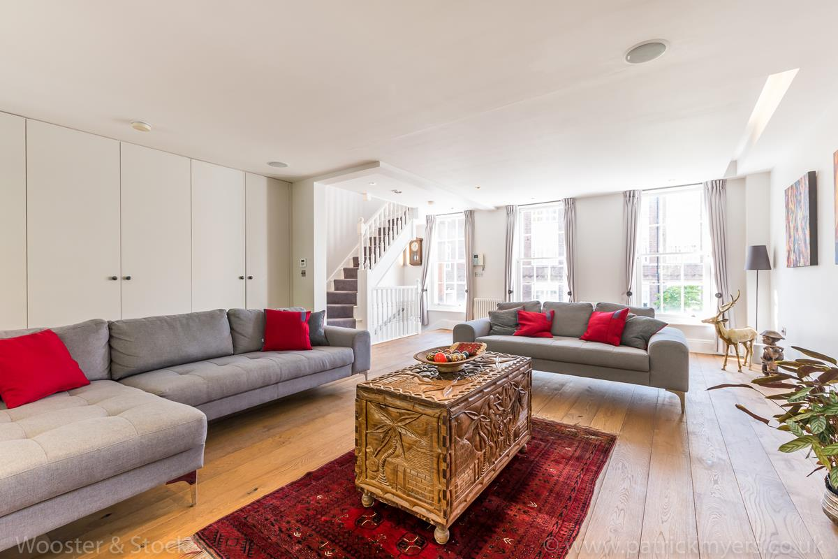 House - Semi-Detached For Sale in Camberwell Grove, Camberwell, SE5 380 view2