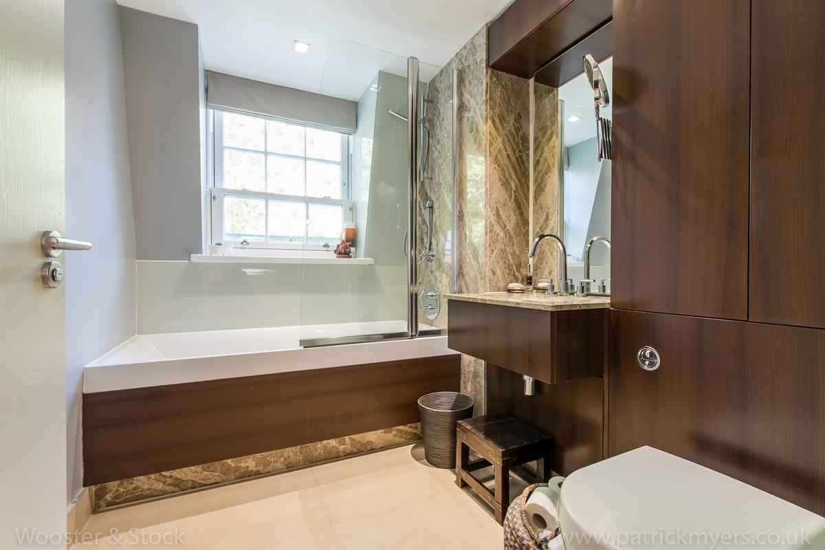 House - Semi-Detached For Sale in Camberwell Grove, Camberwell, SE5 380 view32