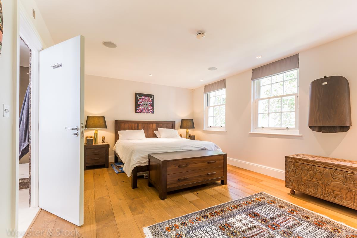 House - Semi-Detached For Sale in Camberwell Grove, Camberwell, SE5 380 view25