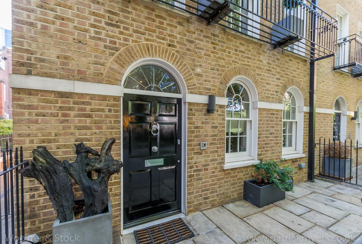 House - Semi-Detached For Sale in Camberwell Grove, Camberwell, SE5 380 view22