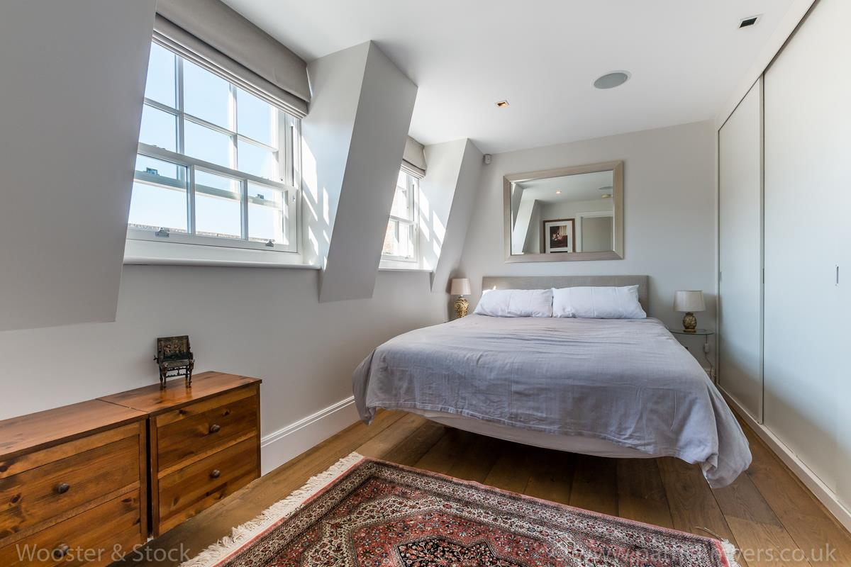 House - Semi-Detached For Sale in Camberwell Grove, Camberwell, SE5 380 view31