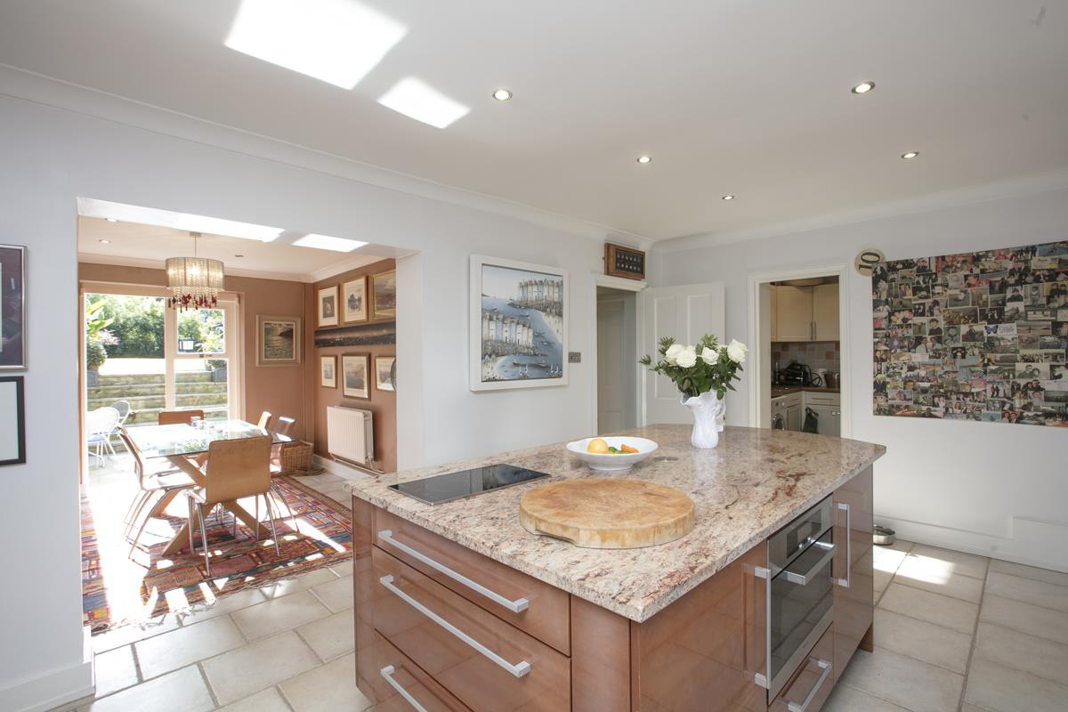 House - Terraced For Sale in Camberwell Grove, Camberwell, SE5 384 view6