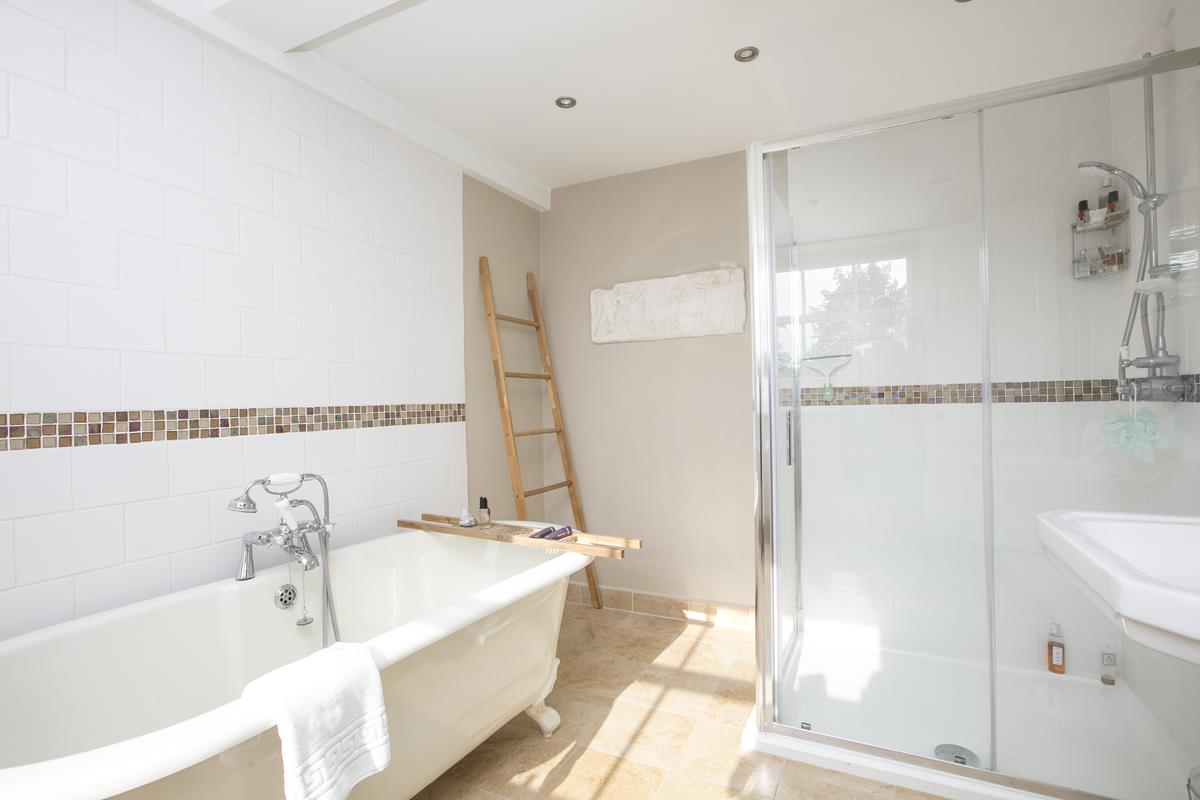 House - Terraced For Sale in Camberwell Grove, Camberwell, SE5 384 view24