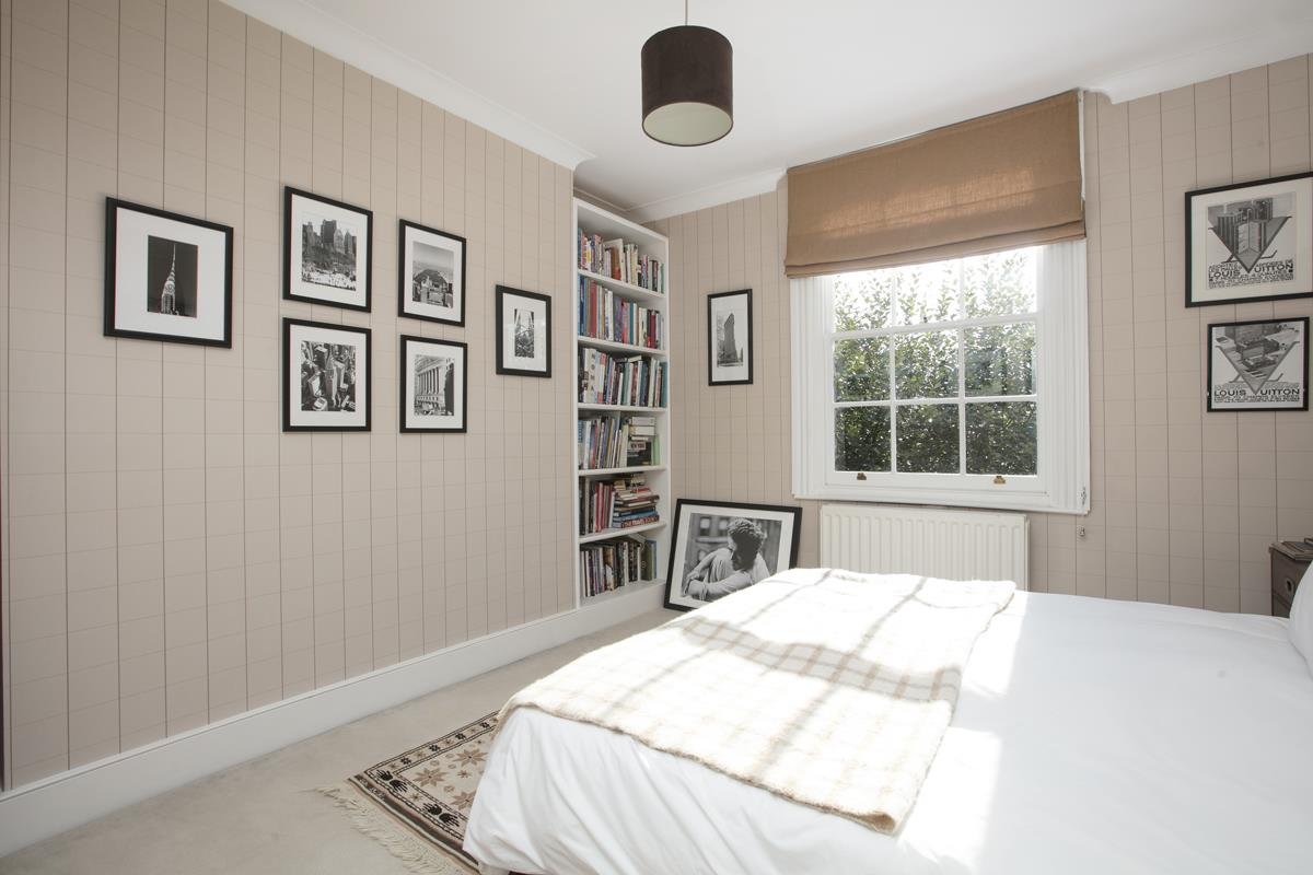 House - Terraced For Sale in Camberwell Grove, Camberwell, SE5 384 view25