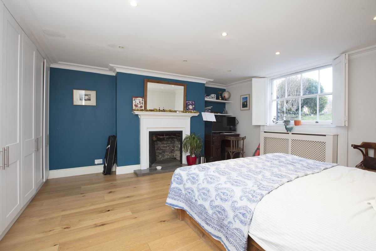 Flat/Apartment For Sale in Camberwell Grove, Camberwell, SE5 398 view6