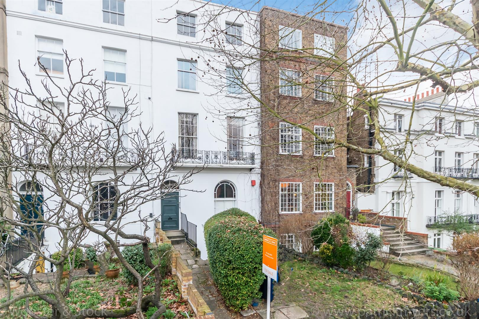 Flat/Apartment For Sale in Camberwell Grove, Camberwell, SE5 398 view1