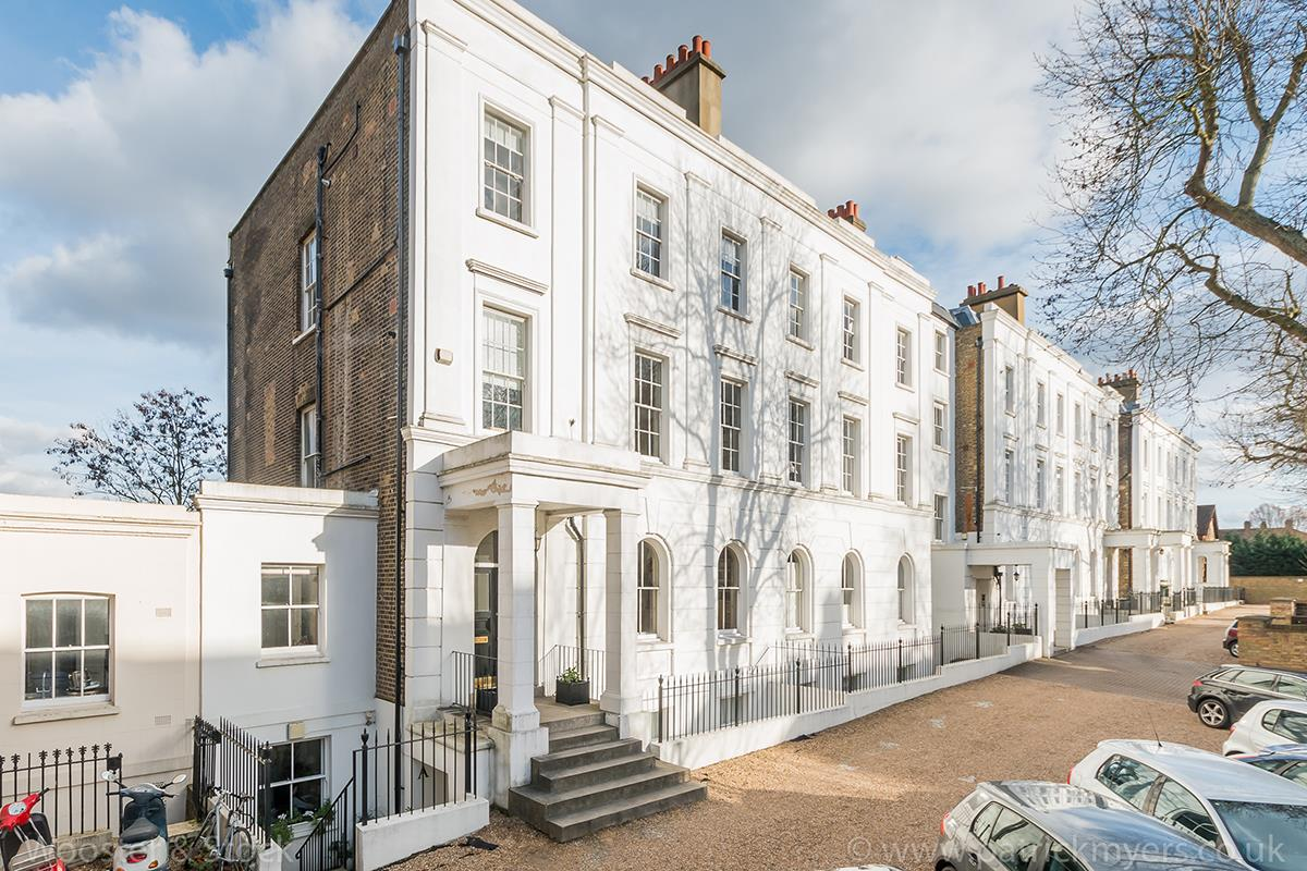 Flat - Purpose Built Sale Agreed in Camberwell Grove, Camberwell, SE5 423 view1