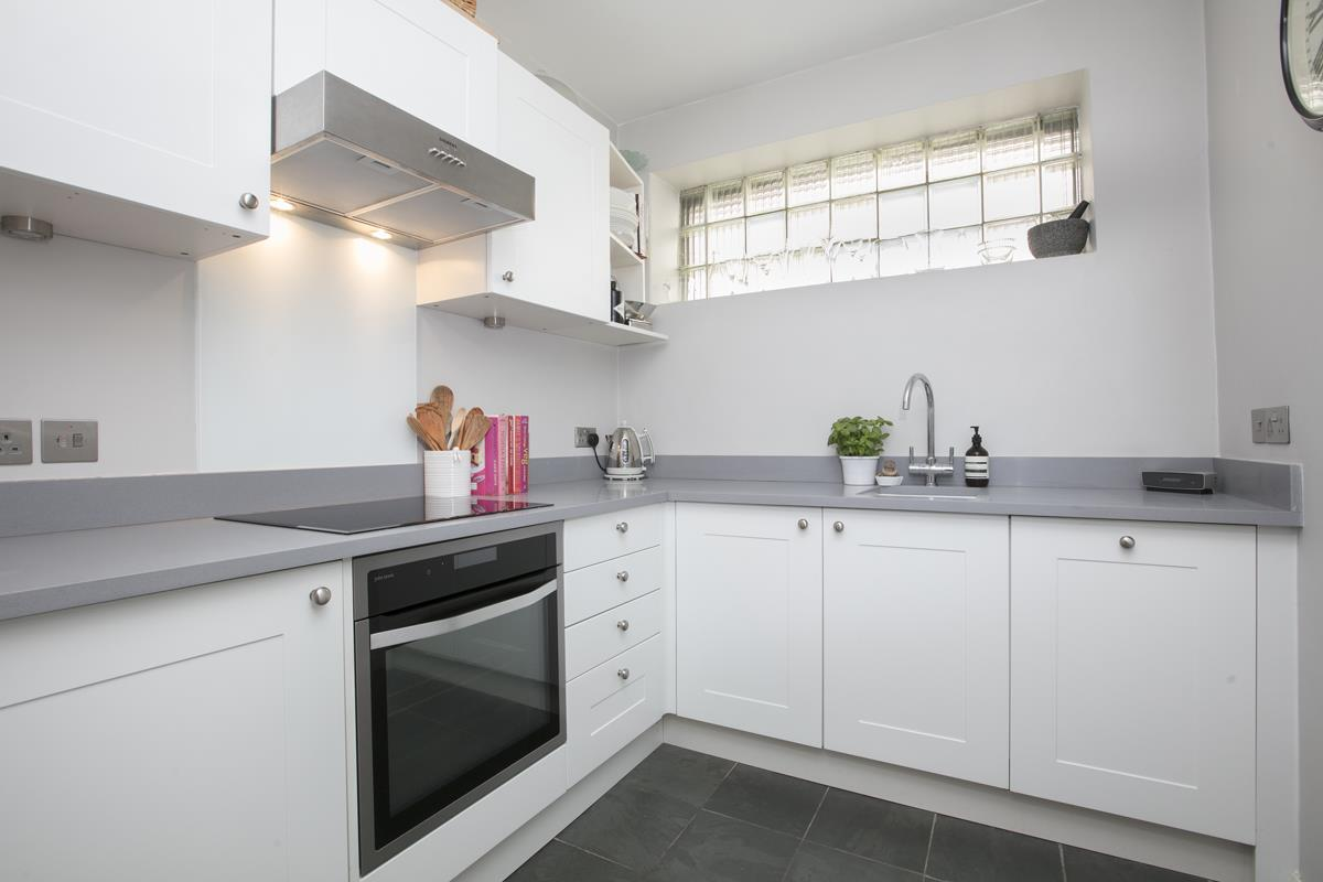 Flat - Conversion Sale Agreed in Camberwell Grove, Camberwell, SE5 448 view5