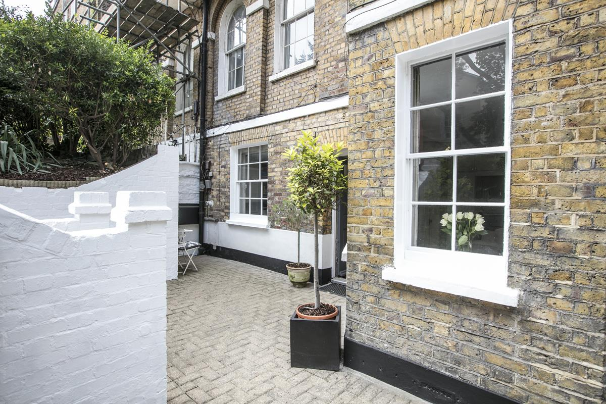 Flat - Conversion Sale Agreed in Camberwell Grove, Camberwell, SE5 448 view9
