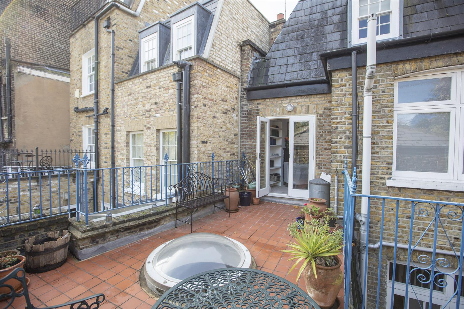 House - Terraced For Sale in Camberwell Grove, Camberwell, SE5 523 view13