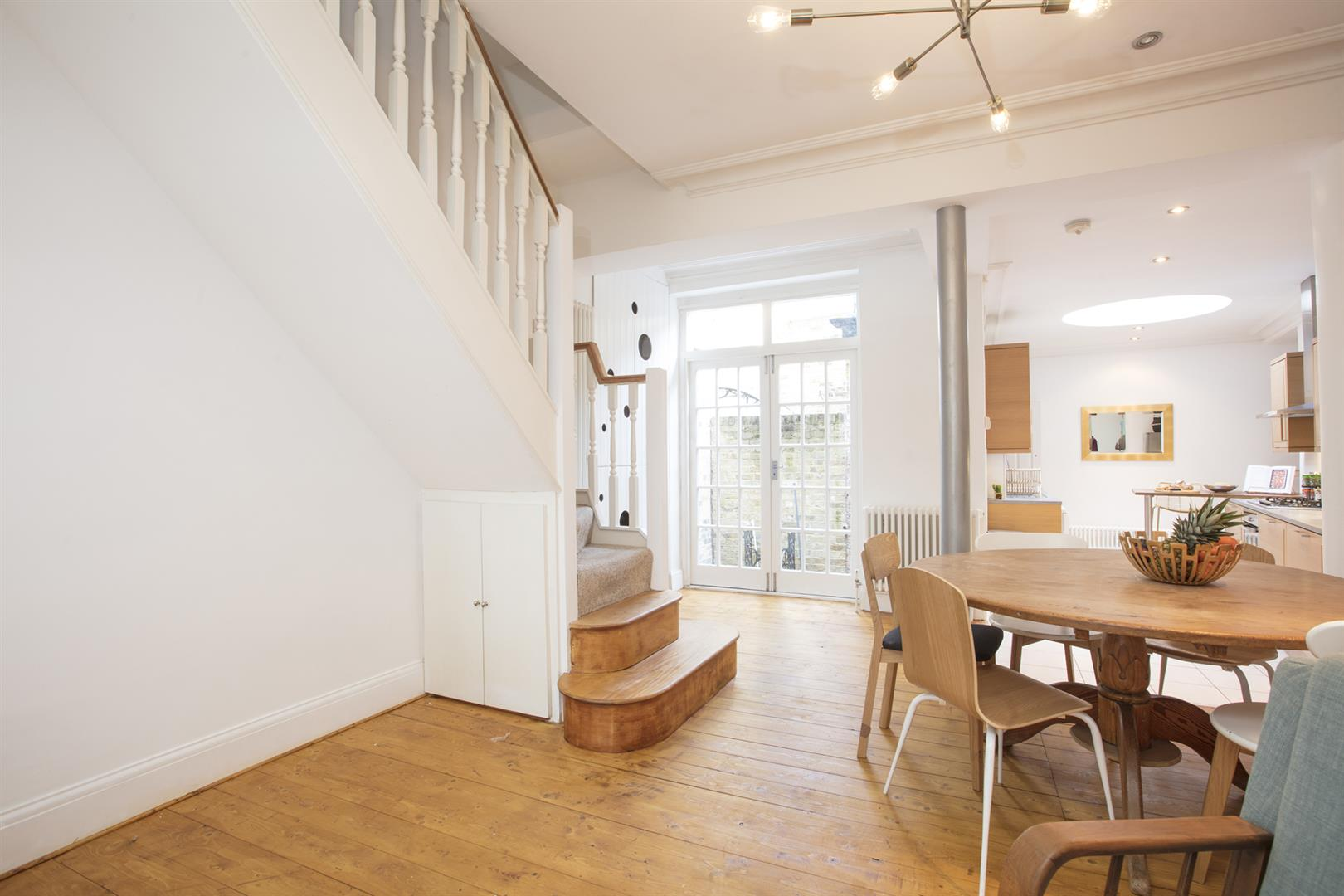 House - Terraced For Sale in Camberwell Grove, Camberwell, SE5 523 view10